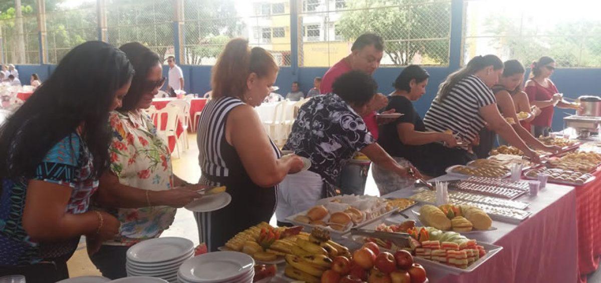 Sinpfetro oferece café da manhã em comemoração ao Dia das Mães
