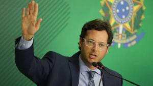 PF abre investigação por suspeita de corrupção contra chefe da Secom da Presidência