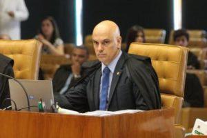Moraes determina quebra de sigilo de 10 deputados e 1 senador em inquérito sobre atos antidemocráticos