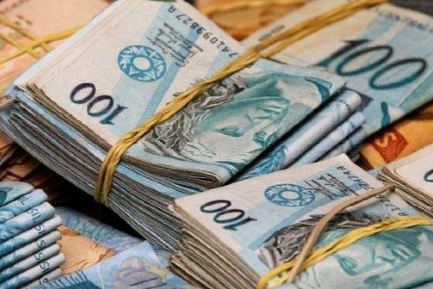 Governo não prevê reajuste para servidores em 2022, mas abre 41,7 mil vagas para concursos