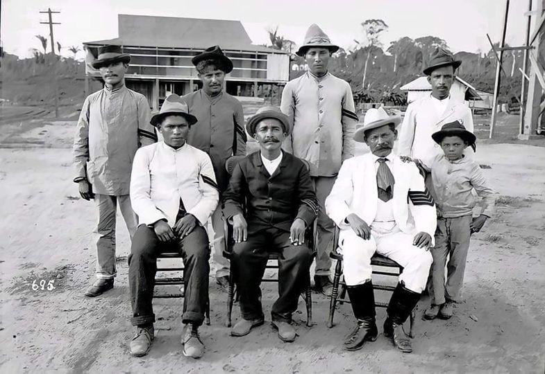 PORTO VELHO, RONDÔNIA (1909) – Os homens da lei e da ordem pública. Note -se as divisas nos braços.