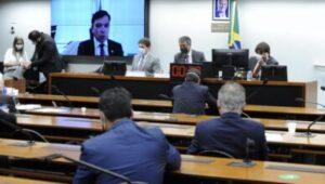Juízes e promotores rejeitam reforma administrativa