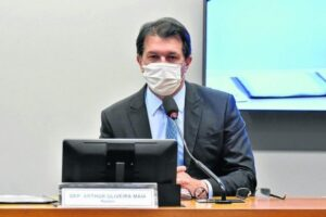 Policiais federais pressionam relator da reforma administrativa